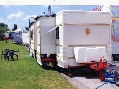 verkaufe weippert wohnwagen 1020 luxus. Black Bedroom Furniture Sets. Home Design Ideas