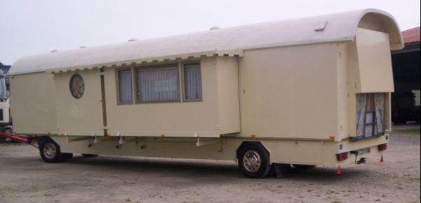 mack wohnwagen mit kinderzimmer. Black Bedroom Furniture Sets. Home Design Ideas