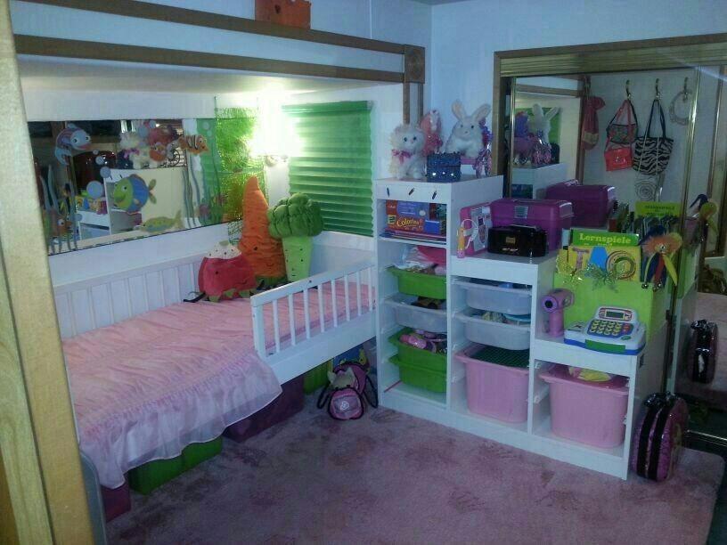 verkaufe carriage ami wohnwagen mit kinderzimmer. Black Bedroom Furniture Sets. Home Design Ideas