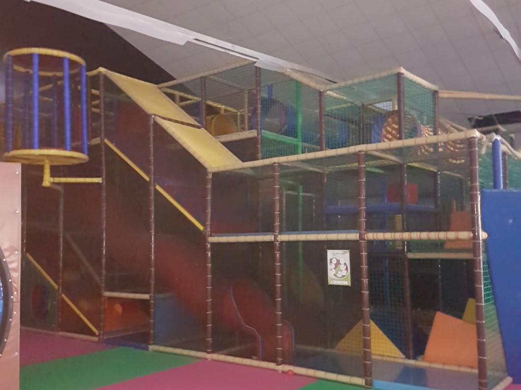Klettergerüst Piratenschiff : Sportana klettergerüst kletterturm inkl rutsche indoor neu tÜv