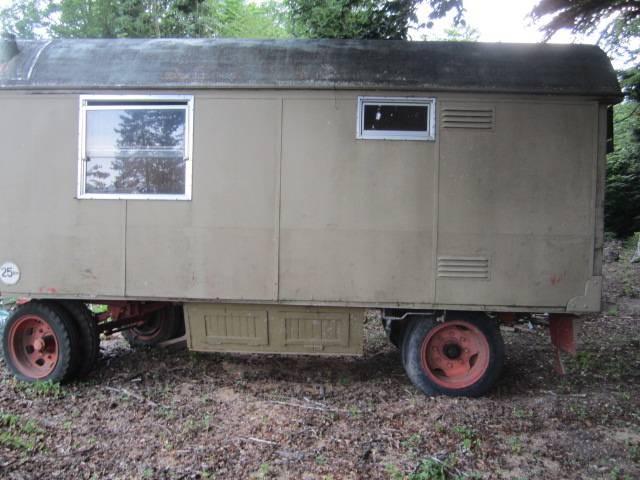 zirkuswagen schindelwagen holzwagen. Black Bedroom Furniture Sets. Home Design Ideas