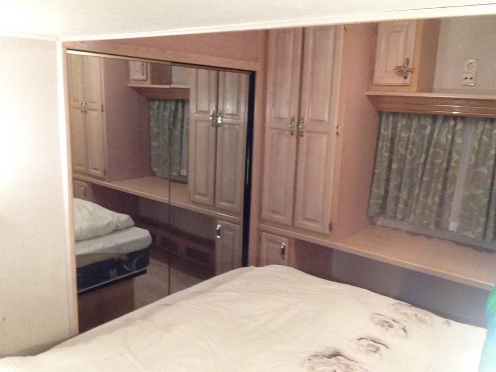 ami wohnwagen mit kinderzimmer. Black Bedroom Furniture Sets. Home Design Ideas