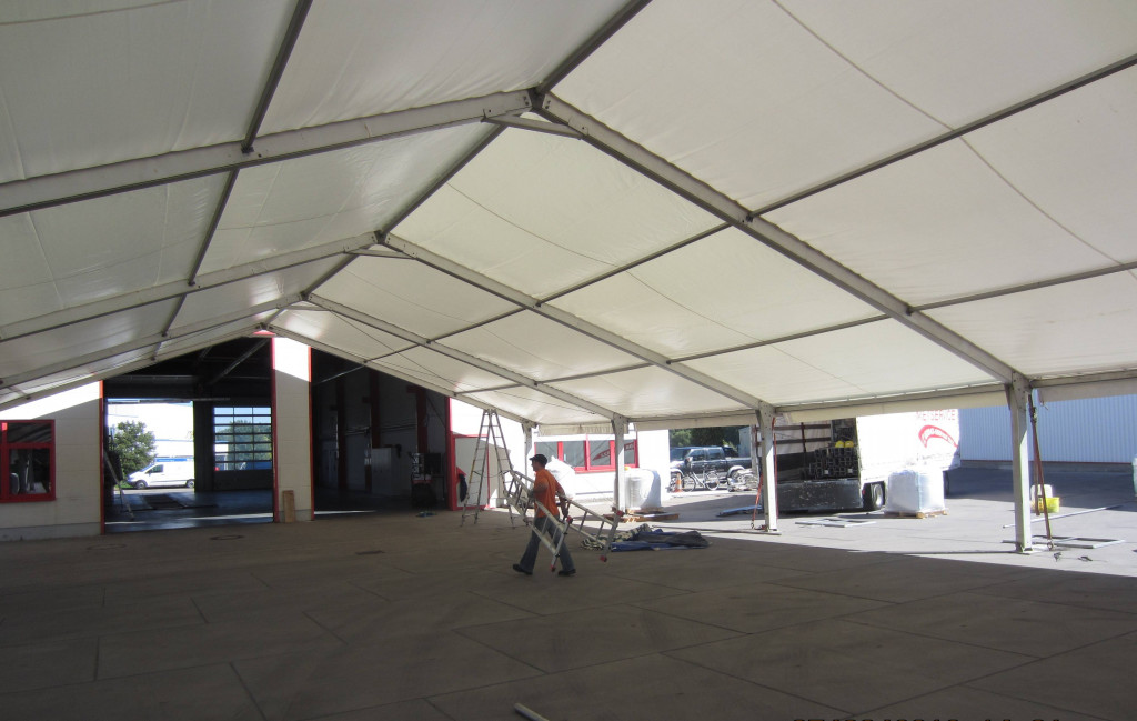 2x LOSBERGER Zelte 15x40 m