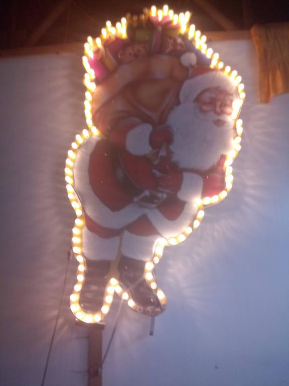 Weihnachtsdeko Im Angebot.Weihnachtsdeko Weihnachtsmann Und Bäume