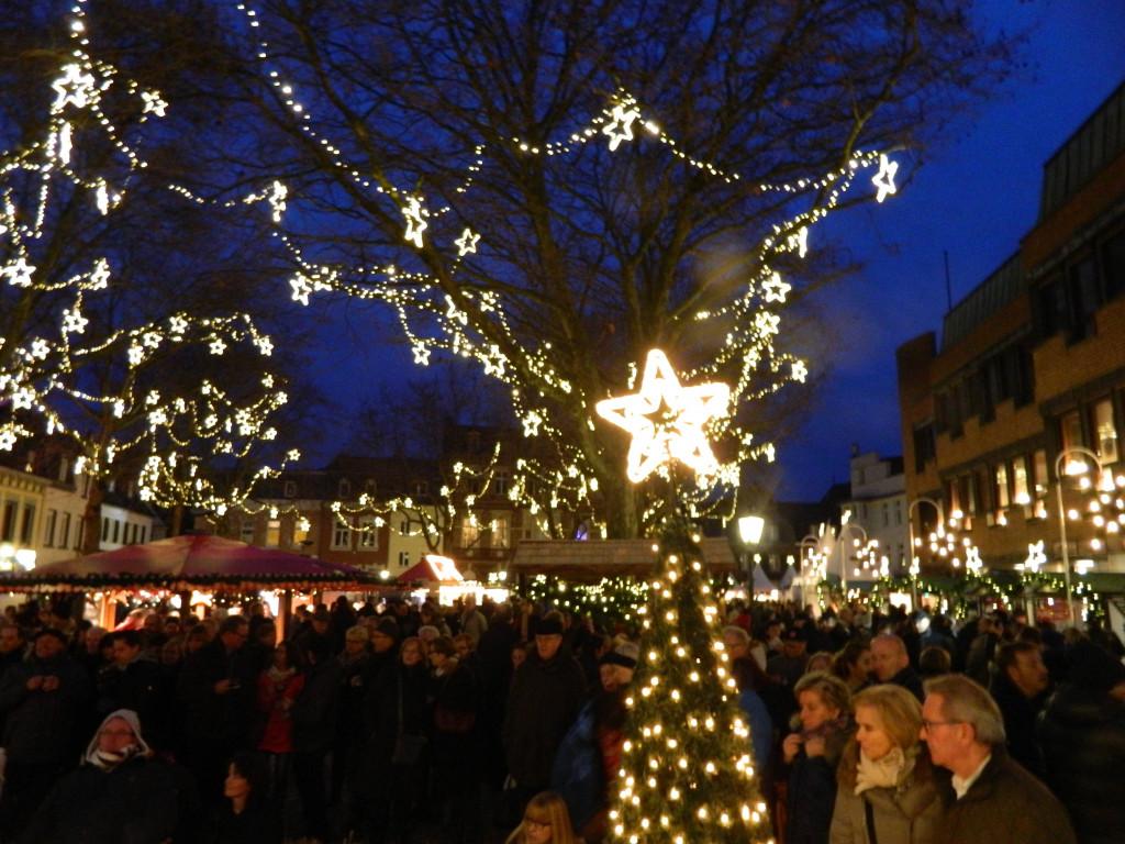 Weihnachtsmarkt Kempen.Markt Der Sterne Der Weihnachtsmarkt In Kempen An Allen Vier